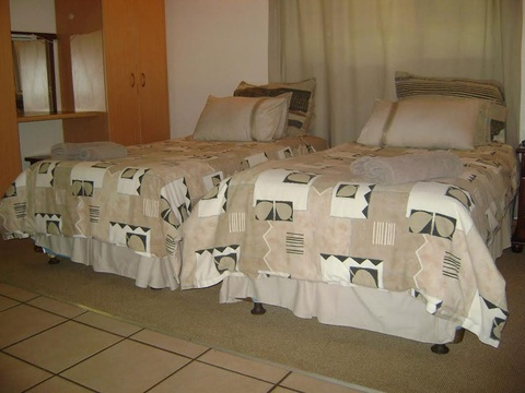 Komatipoort Self-Catering Cottage 3 Twin Beds