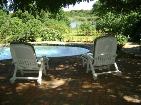 Orchards Farm Self Catering Komatipoort Poolside