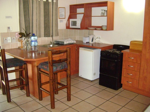 Komatipoort Self-Catering Cottage 5 Kitchenette