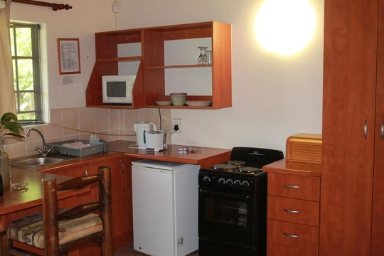 Komatipoort Self-Catering Cottage Kitchenette