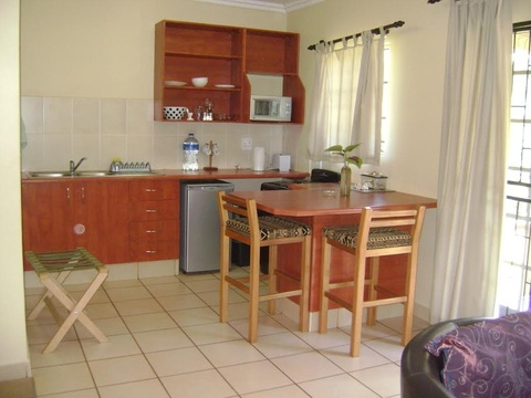 Komatipoort Self-Catering Cottage 7 Kitchenette